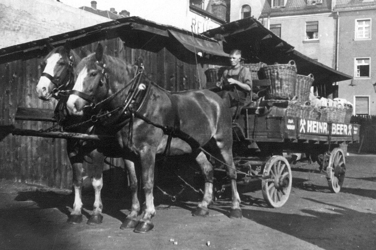Beer Energien 2 PS starke Transporter 1922