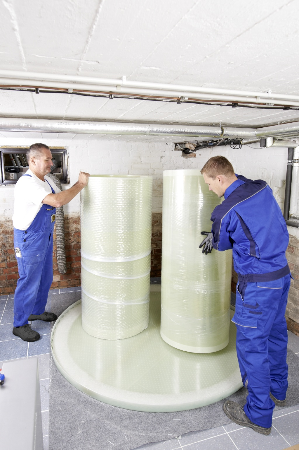 Beer Energien Heizöl Kellertank von Haase passt überall hindurch Montage im Keller