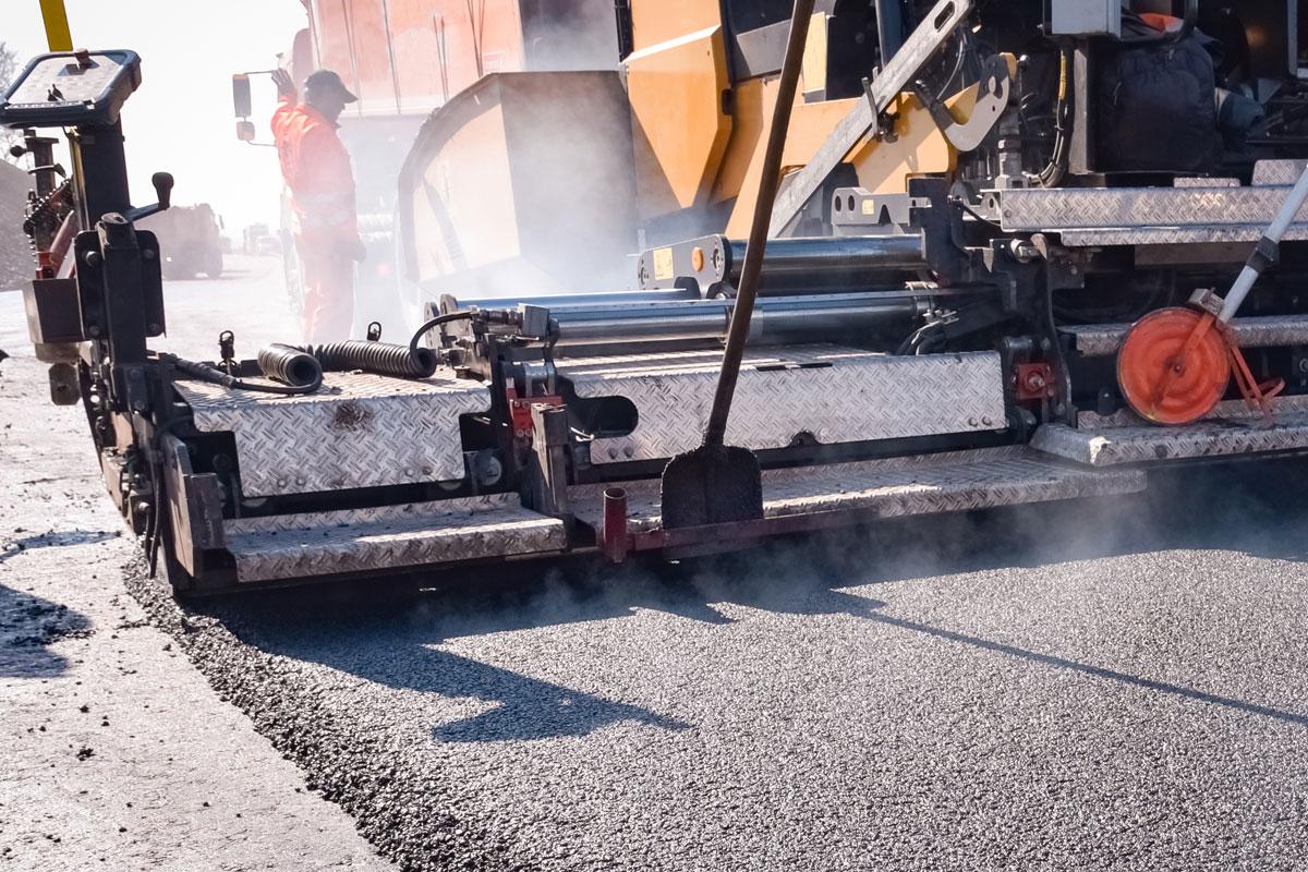 Beer-Energien-EcoRate-nature-asphalt-fluid-concrete-fluid-100-Prozent-biologischer-Oelentferner-Oeltrennmittel-Anwendung-bei-Industrie-Gewerbe-Strassenbau
